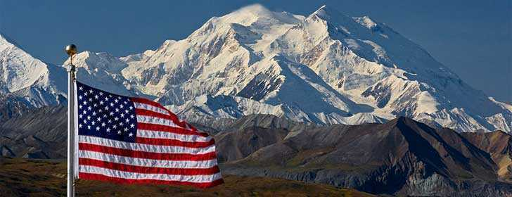 Mount McKinley, with US Flag at Eielson Visitor Center (5300913475)